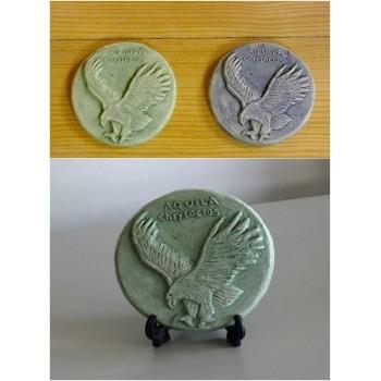 http://loja.quercus.pt/234-398-thickbox/medalhao-ceramica-aquila-crysaetos.jpg