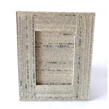 http://loja.quercus.pt/79-120-thickbox/moldura-papel-reciclado.jpg